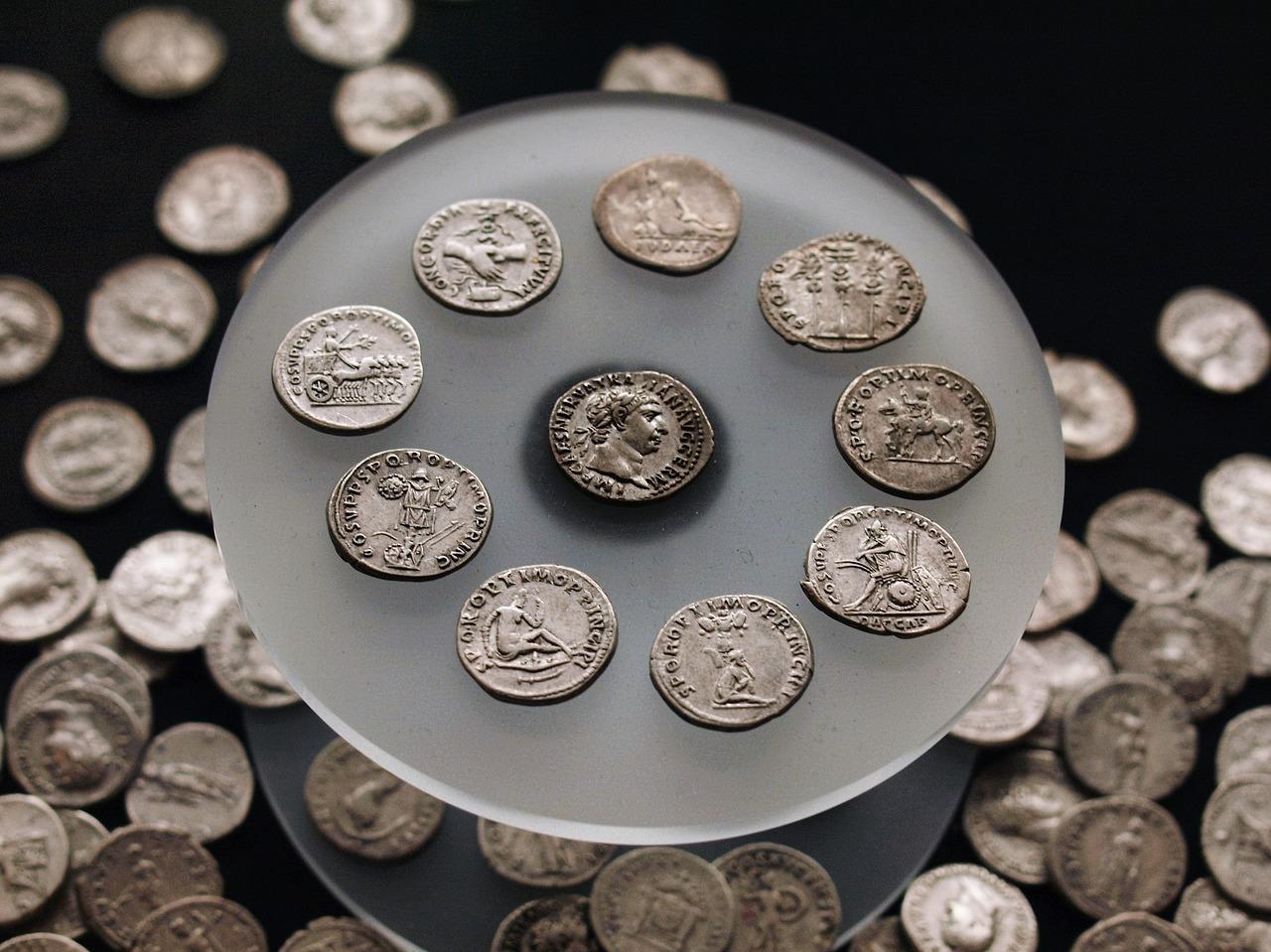 coins 2687597 1280 - Wer war eigentlich der Erfinder des Geldes?